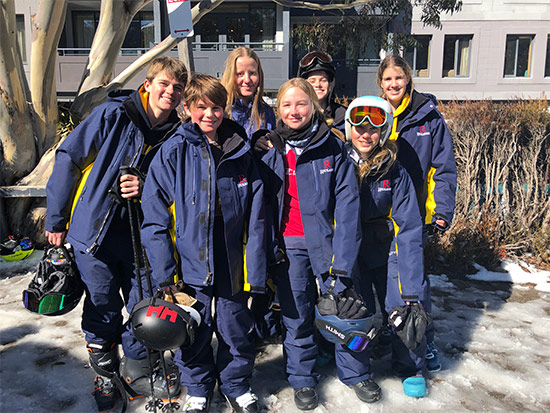 Ski Group. Copyright Redlands 2020. All rights reserved.