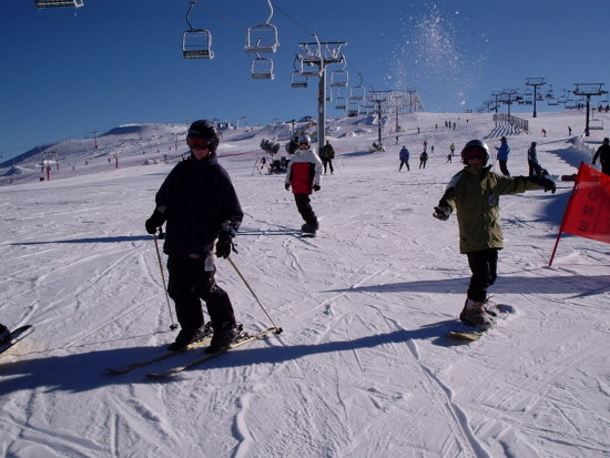 Skiing at Mt Buller. Copyright Auscamp 2021. All rights reserved.