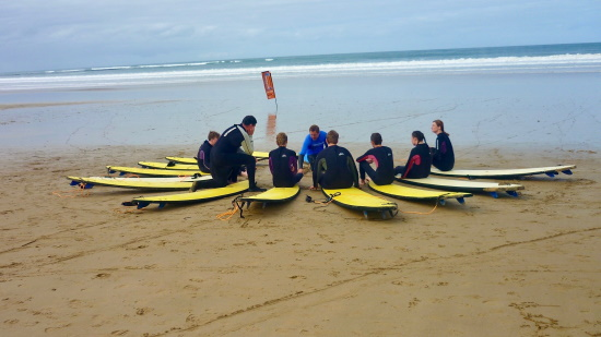 Learning to surf. Copyright Auscamp 2021. All rights reserved.